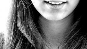 Paradentóza se léčí u zubaře