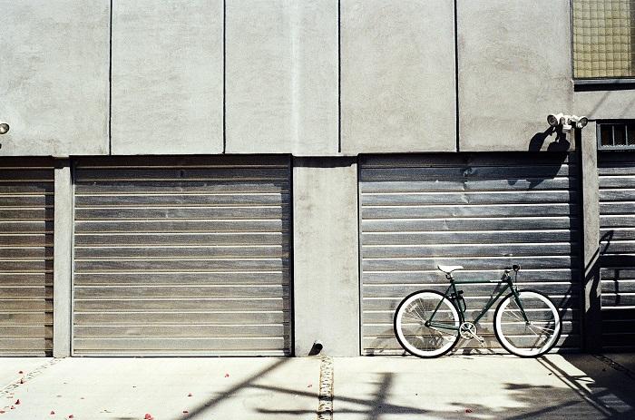 Sekčné garážové brány do bytovej jednotky